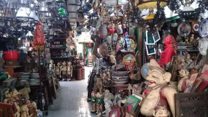 Oleh-oleh Khas Solo Barang Antik Pasar Triwindu