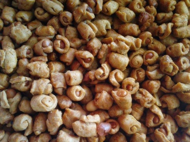 Oleh-oleh khas Makassar kacang sembunyi