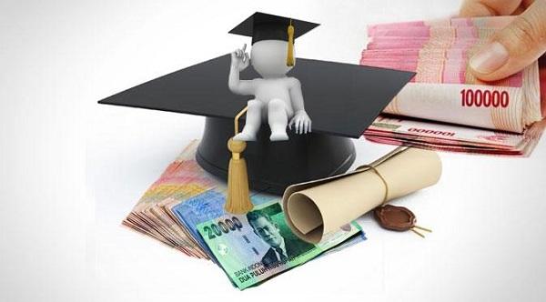 Antara Biaya dan Beasiswa