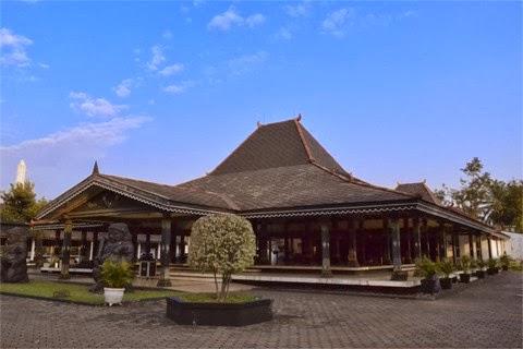 Gambar Rumah Adat Yogyakarta
