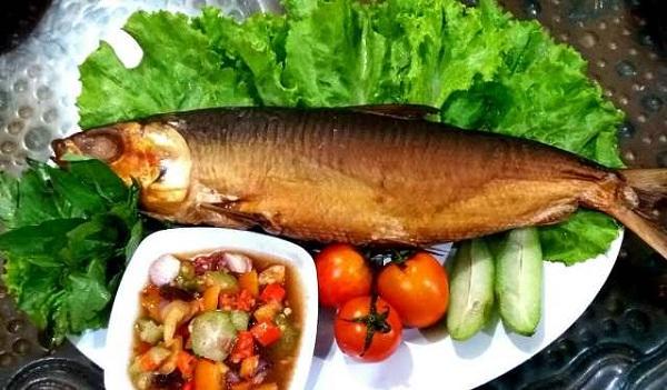 Oleh-Oleh Khas Gresik Ikan Bandeng Asap