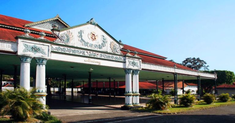 Wisata Jogja Keraton Ngayogyakarta Hadiningrat