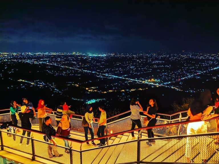 Wisata Malam Jogja Heha sky view