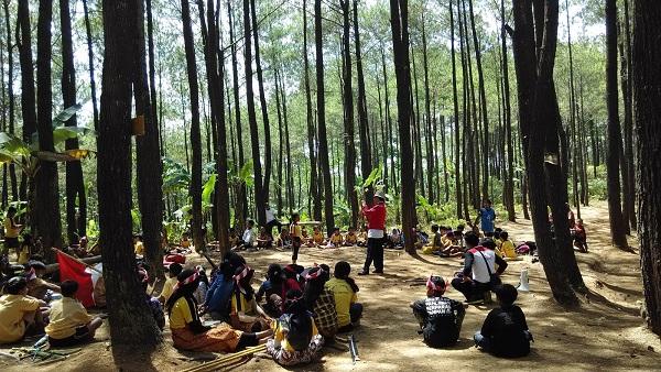 Outbond Hutan Pinus Mangunan