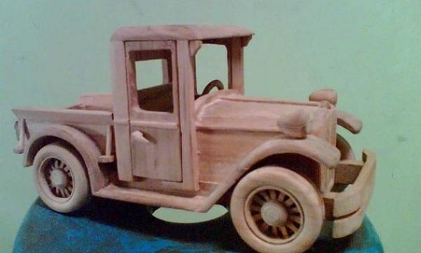 Kerajinan Miniatur Kendaraan Bengkulu