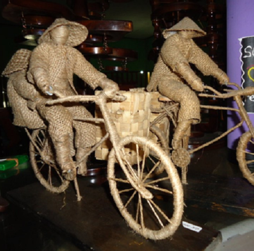 Miniatur Patung Khas Gorontalo