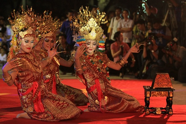 Tari Gending Sriwijaya Sumatera Selatan