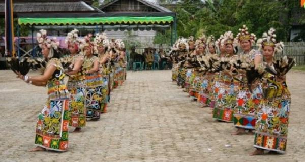 Tari Hugo Kalimantan Tengah