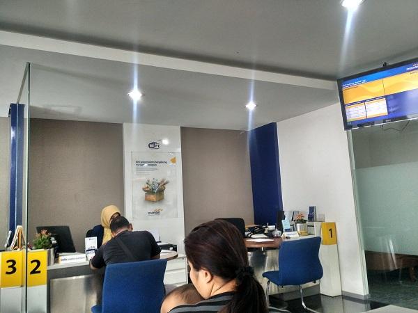 Cara Mendaftar SMS Banking Mandiri Melalui Kantor Cabang