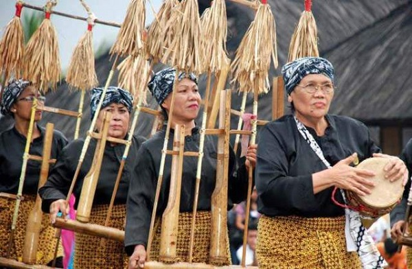 Suku Sunda