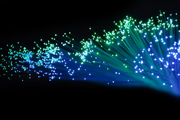 Sejarah Lengkap Fiber Optik